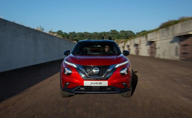 Comparison Nissan Juke Tekna 2020 Vs Nissan Kicks Sr