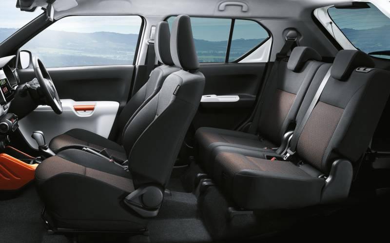 Comparison  Suzuki Ignis GLX 2018  vs  Fiat Panda Cross