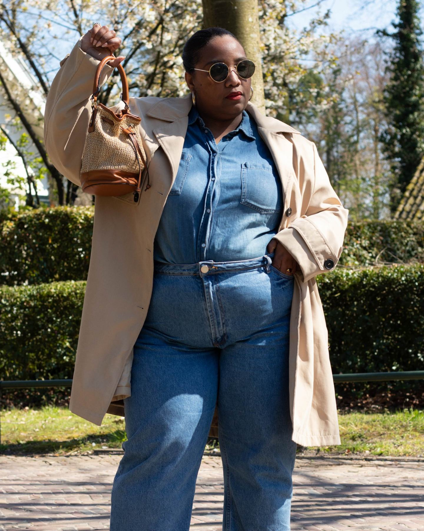 Plus-size Spring Outfit Trench Coat & Jeans