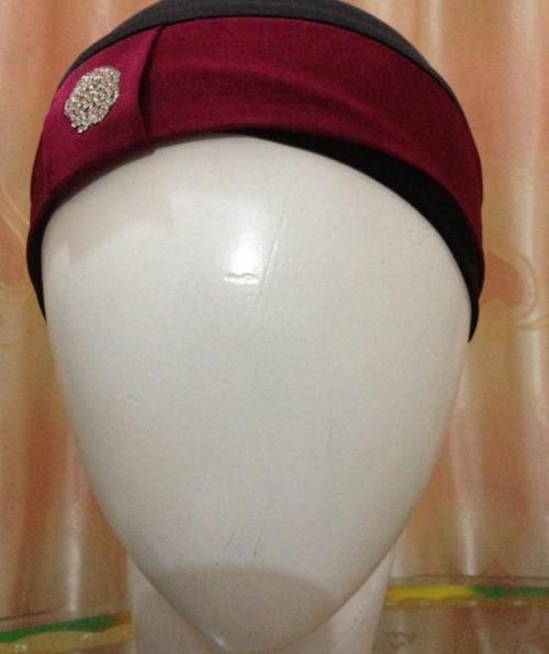 Hijab Cap With Stone – Maroon & Black