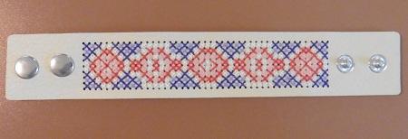 Borduurarmband wit