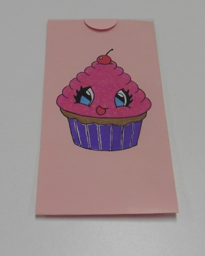 magic-kaart-cupcake-sluit-rondje-om-plastic-en-magic-flap