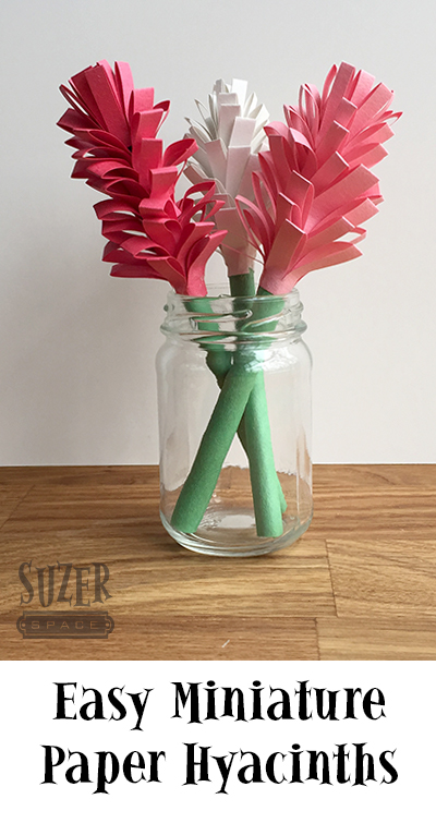 Construction paper, glue and scissors are all you need to make these cute miniature paper hyacinths | suzerspace.com