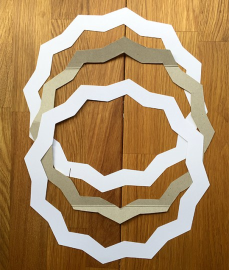frame shape for a glitter star wreath