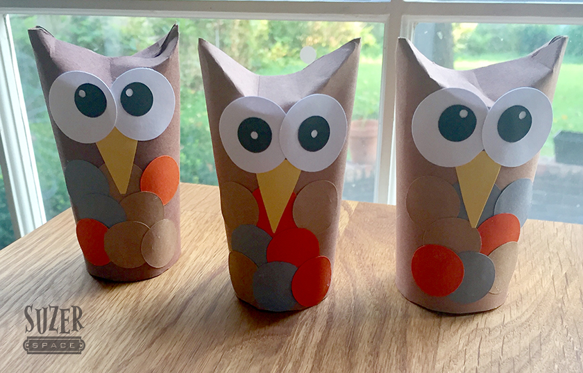 Happy Little Owls come together quickly from fall colored construction paper and toilet paper tubes | suzerspace.com