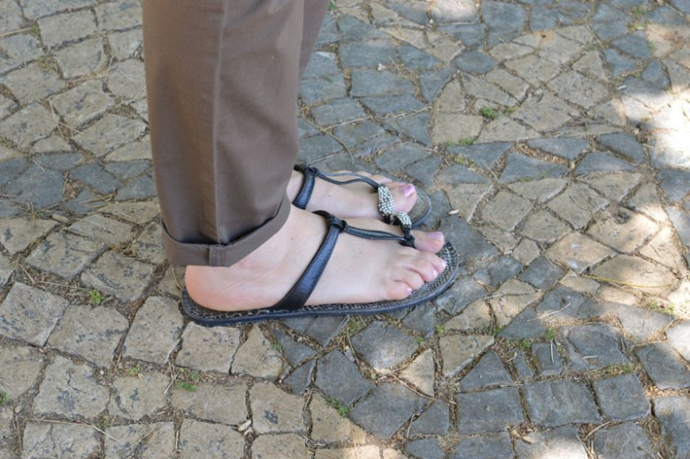 Primary leather sandals