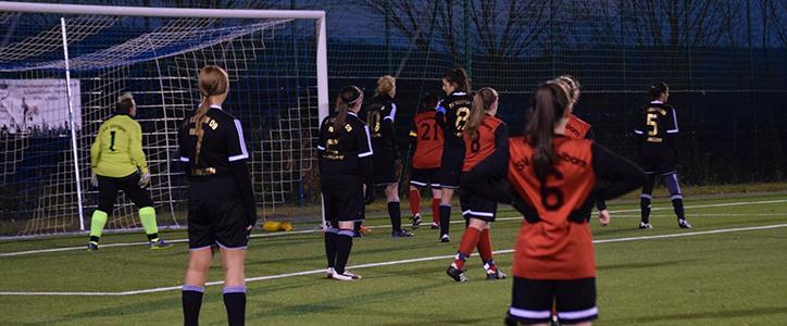 Aktive Frauen mit Anlaufschwierigkeiten – Herren anständig verkauft - Fußballverein im Saarland