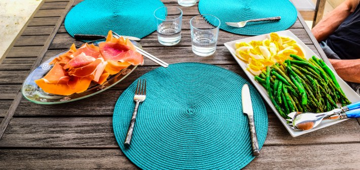 Outdoor Party Healthy What to Eat Table Set Up Decoration 2