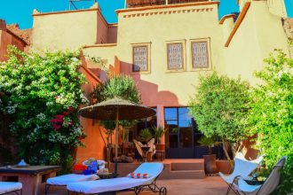 Stay in Ait Ben Haddou_Where to stay in the moroccan desert_riad_caravane_bed and breakfast_airbnb_intimate_beautiful_relax_french_local_UNESCO World Heritage site_pool_cover photo.JPG