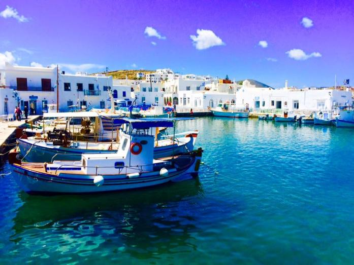 Discover-the-Island-of-Paros-Greece-what-to-do-see-and-eat_paros_naoussa_fishing-village_travel-blog_travel-guide_svadore_fishing village_naoussa_