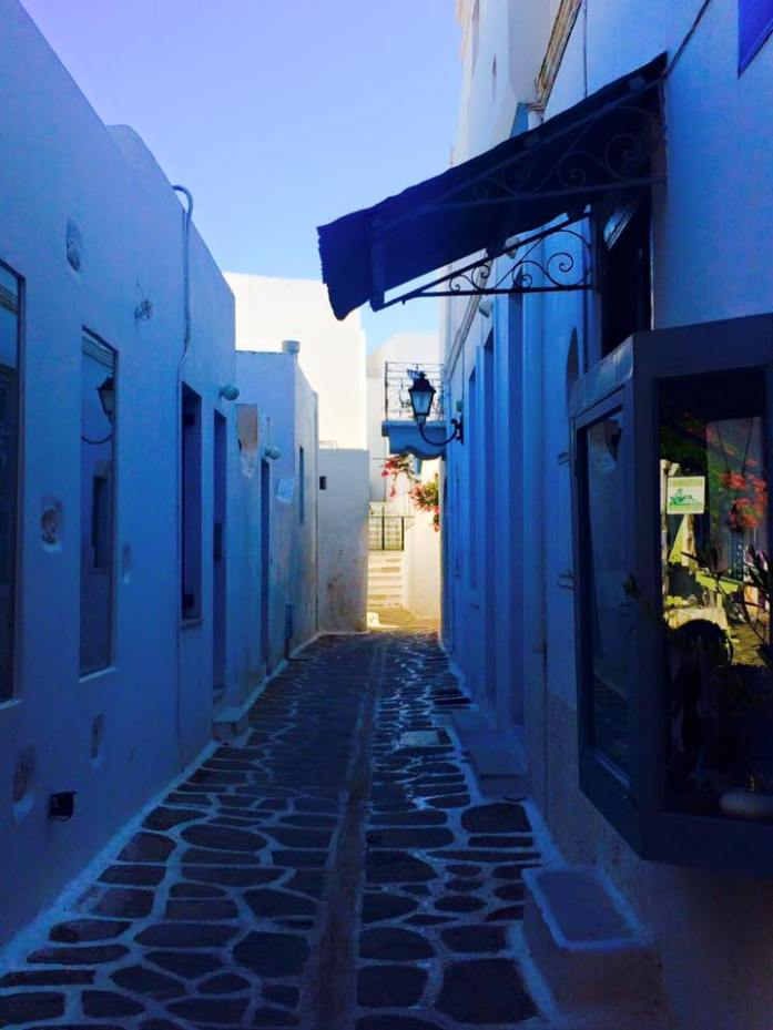 Discover-the-Island-of-Paros-Greece-what-to-do-see-and-eat_paros_naoussa_fishing-village_travel-blog_travel-guide_svadore_parikia main town