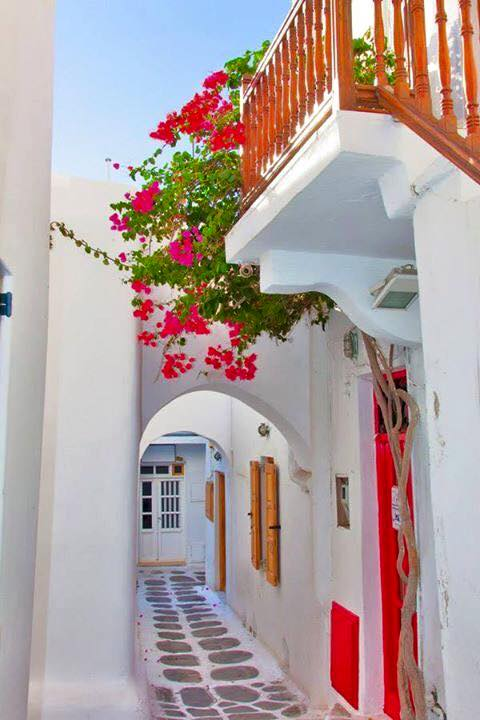 Mykonos_Travel Guide_What to Do_Where to go_beaches_What to eat_where to eat_mykonos town_blog_