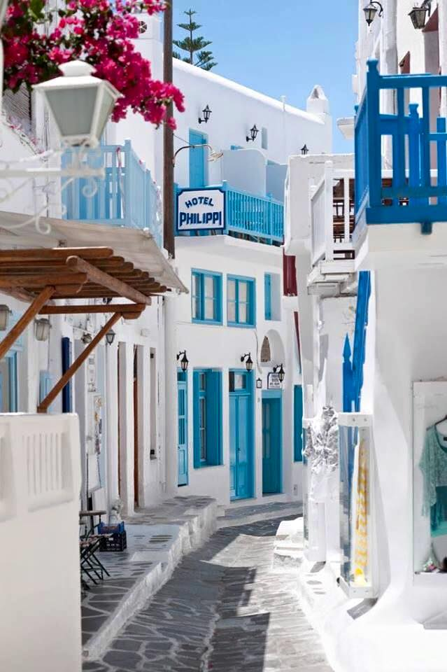 Mykonos_Travel Guide_What to Do_Where to go_beaches_What to eat_where to eat_mykonos town_blog_colors white washed