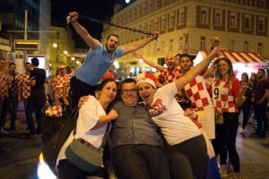 slavlje nakon utakmice Hrvatska Danska