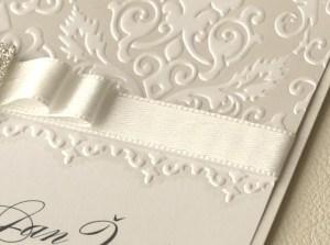 reliefni-tisk-slepotisk Jak se vyrábí svatební oznámení?