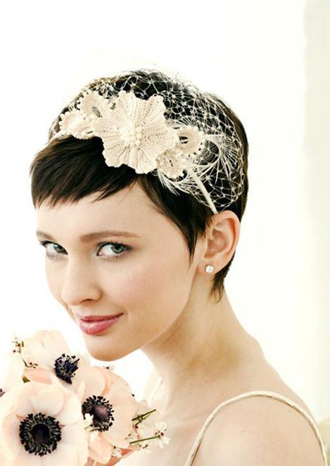 svatební účes krátké vlasy