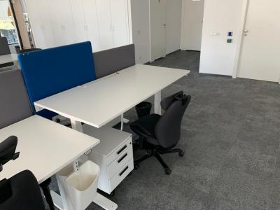Elektra Reguliuojamas Stalas+Kinnarps 9000 Biuro Kėdė+Slenkančioji Sienelė+Kinnarps Stalčių Blokas, Švedija