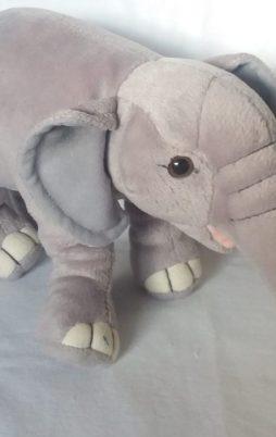 Plüschtier- elefant