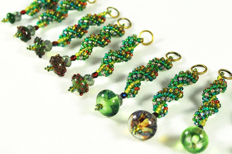 Christmas Necklace with Handmade Gass Beads