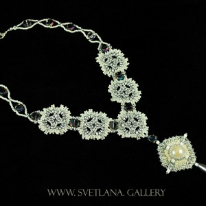 Winter Necklace: bead weaving and bead embroidery ideas