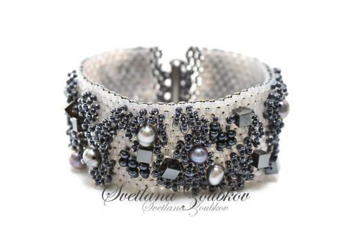 City Style Beaded Bracelet Idea - Peyote Stitch Metallic Colors