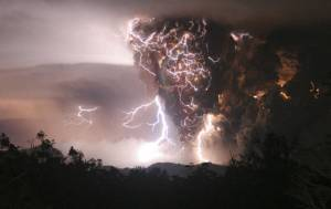 Vulkanski pepeo i munje - 2. maj 2008. (Carlos Gutierrez)