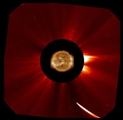 Kometa ISON snimljena sa satelita SOHO koronografom LASCO C2 (Credit: SOHO, NASA)