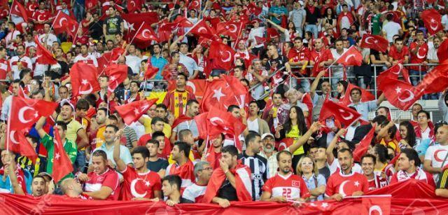Navijači Turske nisu ispoštovali