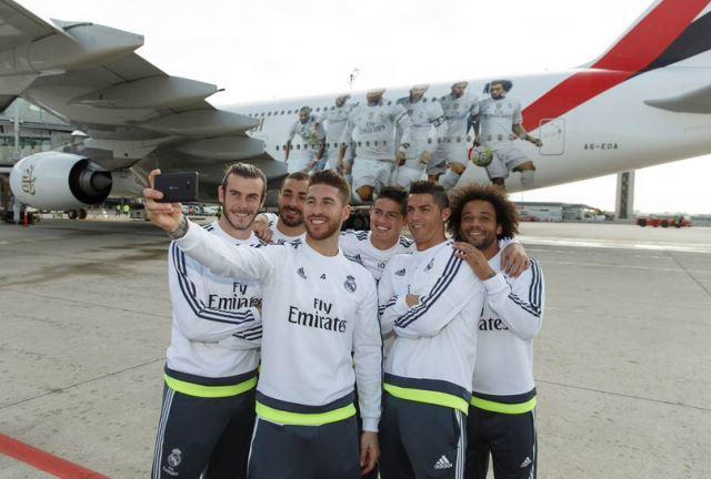 Avion ukrašen likovima igrača Reala (3)