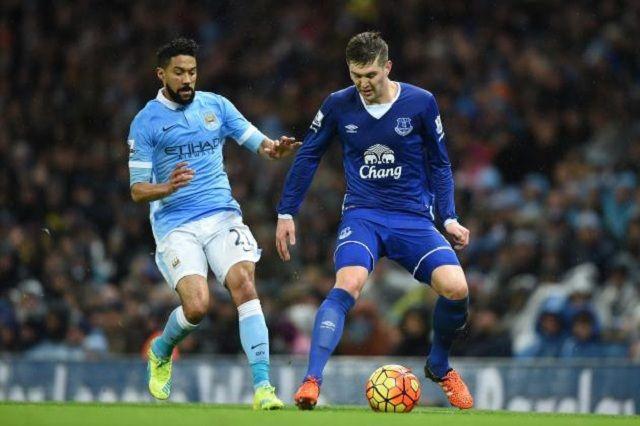 Manchester City ponudio tri fudbalera za defanzivca Evertona!
