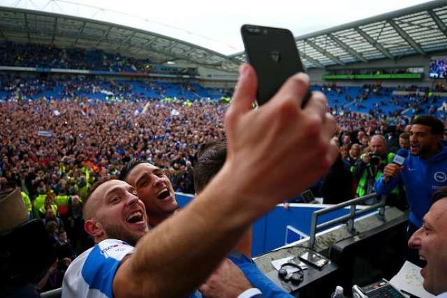 VIDEO: Pogledajte slavlje igrača i navijača Brightona
