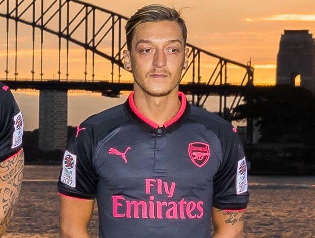 Mesut Ozil rekao prijateljima za koji klub će potpisati na kraju sezone