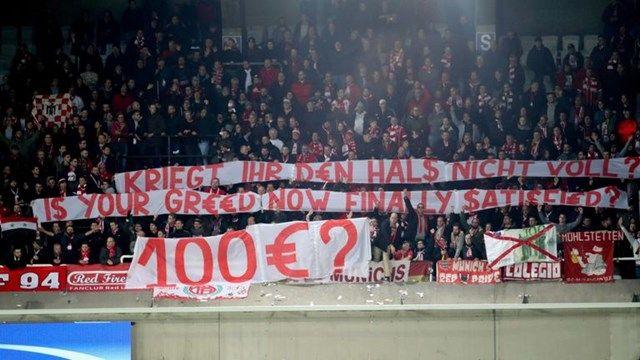 KAKVA BLAMAŽA! Pogledajte šta je uradio turski navijač sa 127 ulaznica za susret Bayerna i Bešiktaša