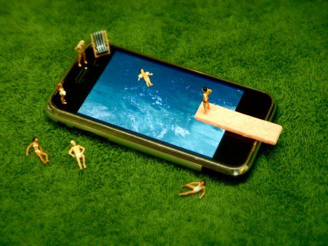 phone pool photo