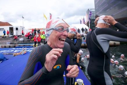 Swim event TF Christiansborg Rundt 2018. Swim event TF Christiansborg Rundt 2018. Lis Petersen før svømningen. Hun kåres bagefter som årets ældste damesvømmer ved TrygFonden Christiansborg Rundt.