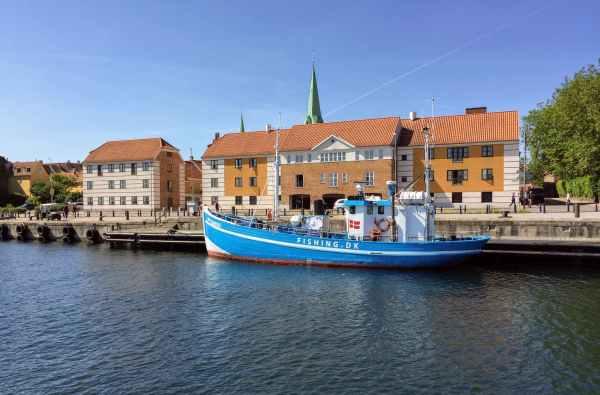 sea city water building