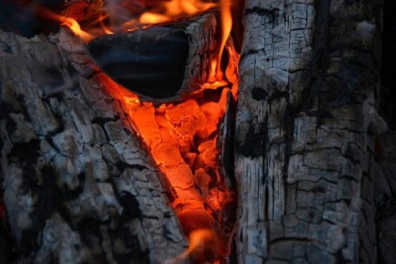 Fire Flame Heat Burning Bonfire - ilabyckov61223 / Pixabay