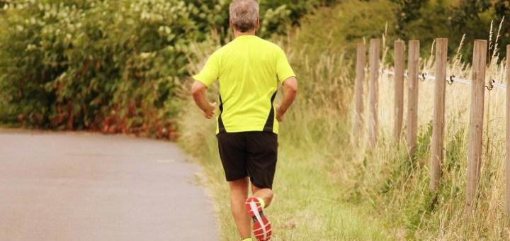 Jogger Jog Run Sport Sporty  - manfredrichter / Pixabay