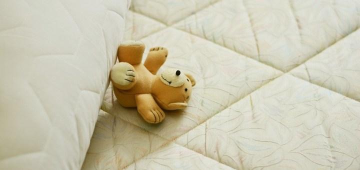 Mattress Bed Pillow Sleep Relax  - congerdesign / Pixabay