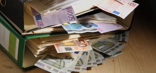 Money Bank Note Files Aktenordner  - guvo59 / Pixabay