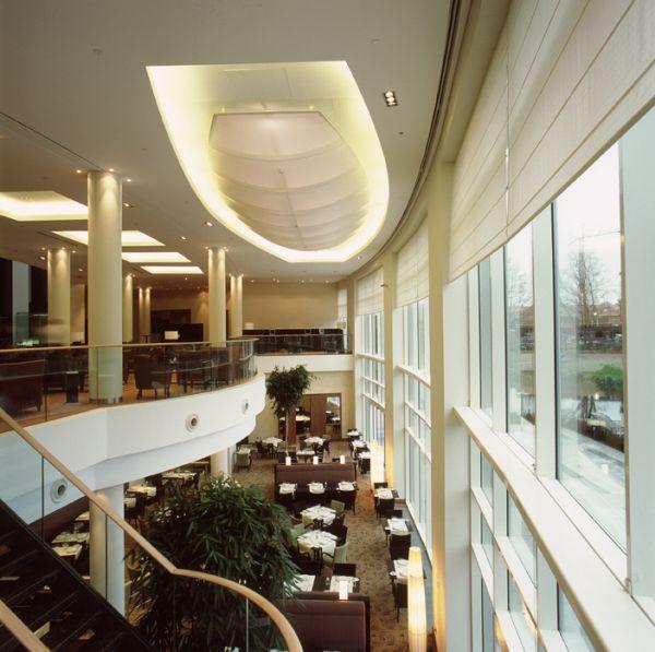 Nieuwbouw en interieur hotel Crowne Plaza Brussels Airport Brussel, project huisvesting SVR-ARCHITECTS