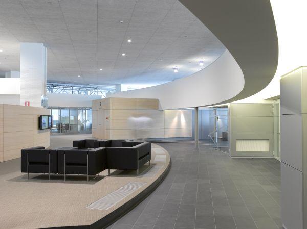 Inkom satellietgebouw Brussels Airport Company