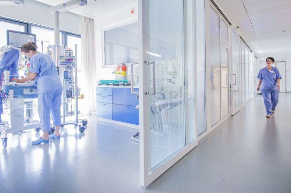 Nieuwbouw Kon. Mathilde Moeder- en Kind Centrum UZA, project gezondheidszorg SVR-ARCHITECTS
