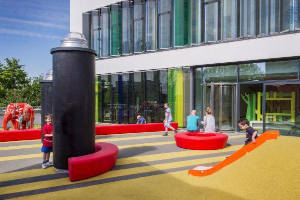 Dakspeeltuin voor patiëntjes Koningin Mathilde Moeder- en Kind Centrum