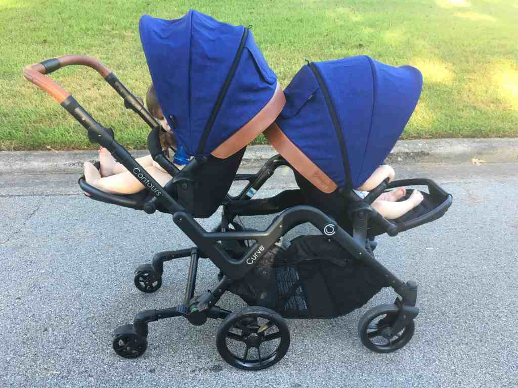 The Curve countour stroller- best stroller for a toddler and a baby