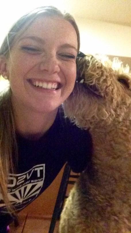 Charlie Gives Kisses