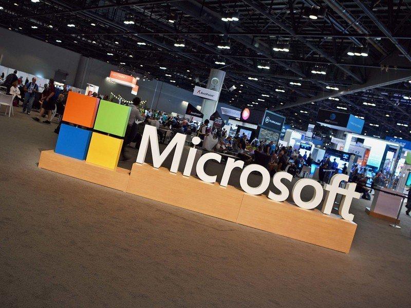 بعد آبل وآمازون : مايكروسوفت تلامس التريليون دولار