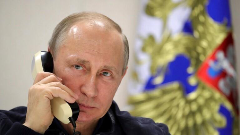 فلاديمير بوتين يقول انه لايستخدم الهواتف الذكية