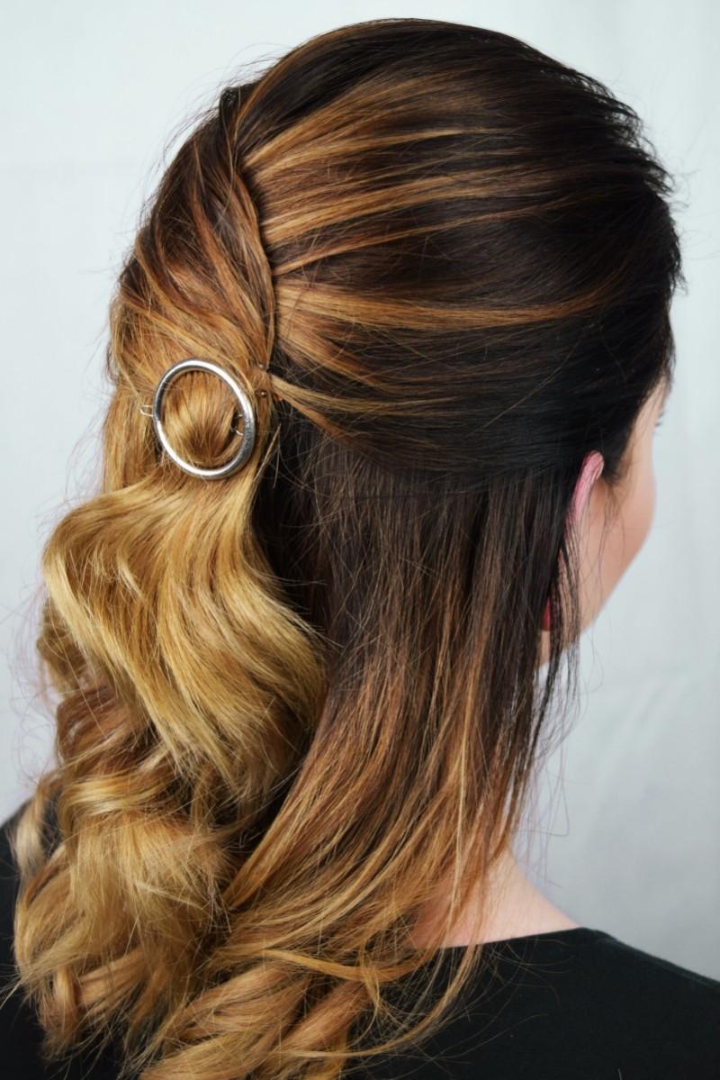 Schmucke Frisur So Trägt Man Haarspangen Swanted