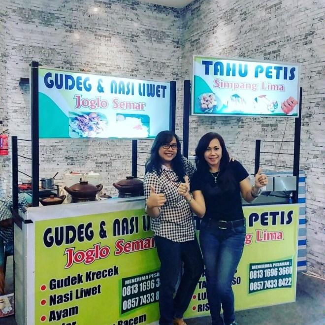 """Rosalia Irawaty, Pemilik Kuliner """"Tahu Petis Semarang"""""""